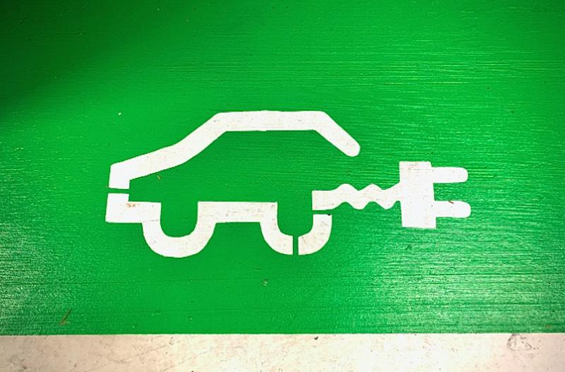 Auto elettriche, nel 2020 vendite a +251,5%